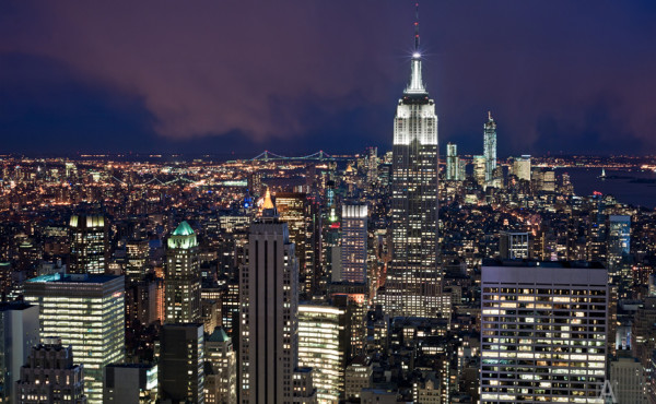 Нью Йорк достопримечательности. Эмпайр стейт билдинг на закате (Empire State Building)