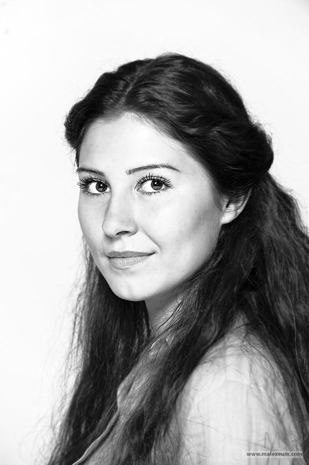 Портретная съемка в студии - модель Таня