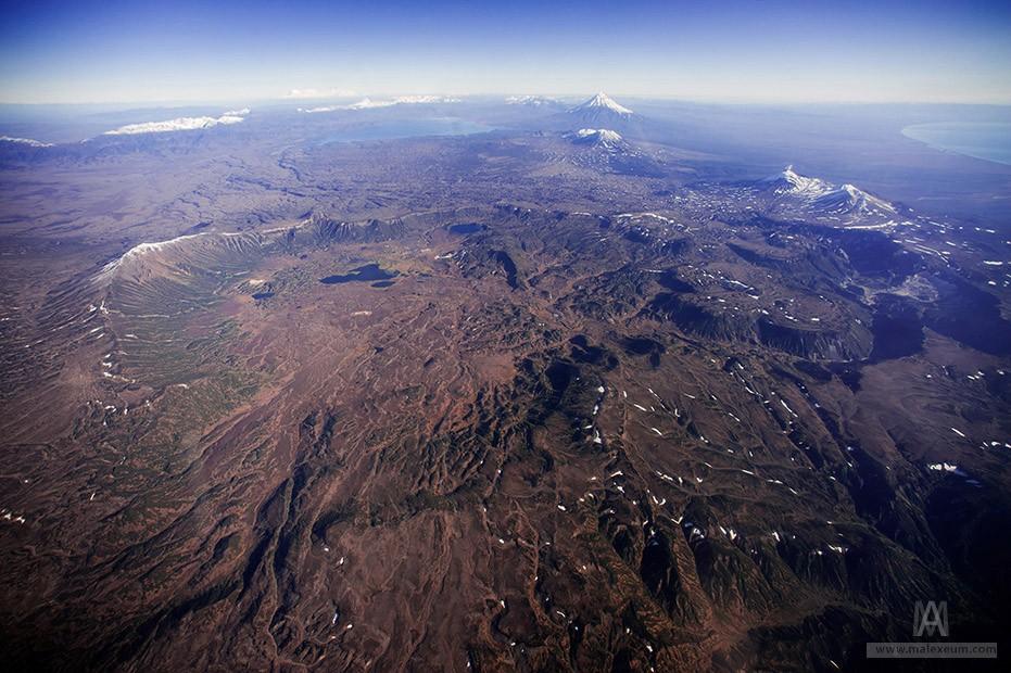 Кальдера вулкана Узон и долина гейзеров
