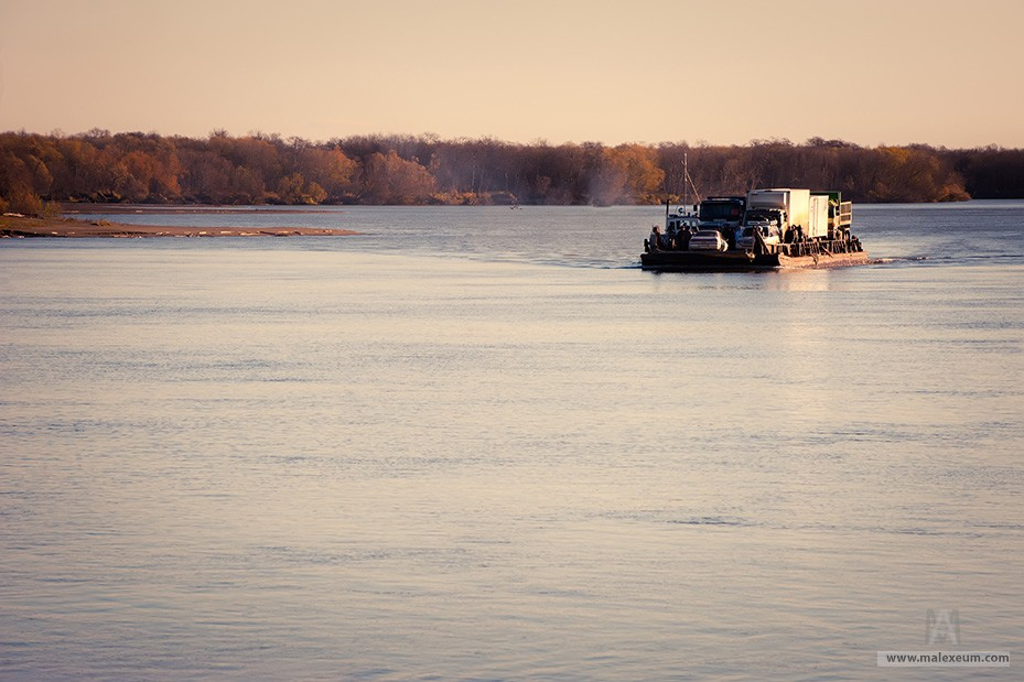 Паром через реку Камчатка