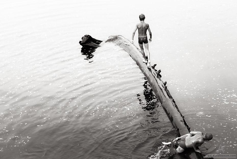 Равновесие нарушилось— фотографии с реки Волхов