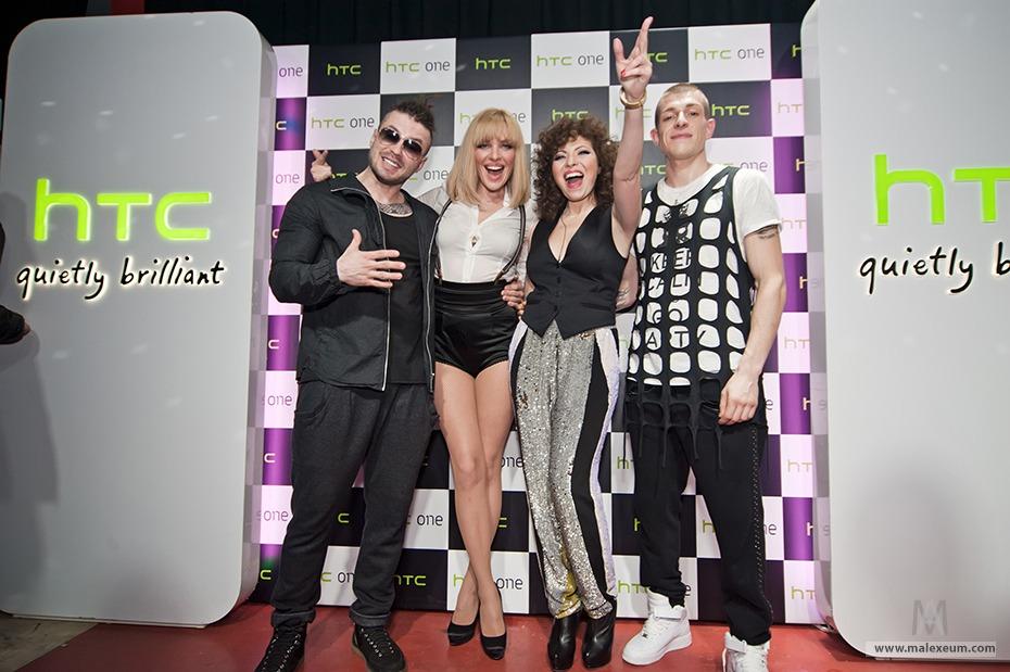 Фотосъемка на пресс-конференции HTC с группой Бандерос