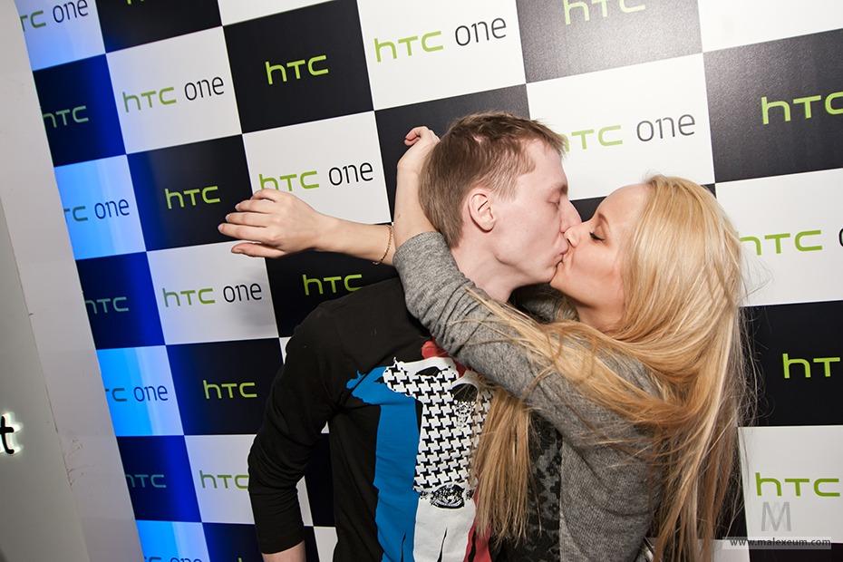 Пресс конференция HTC с Бандерос