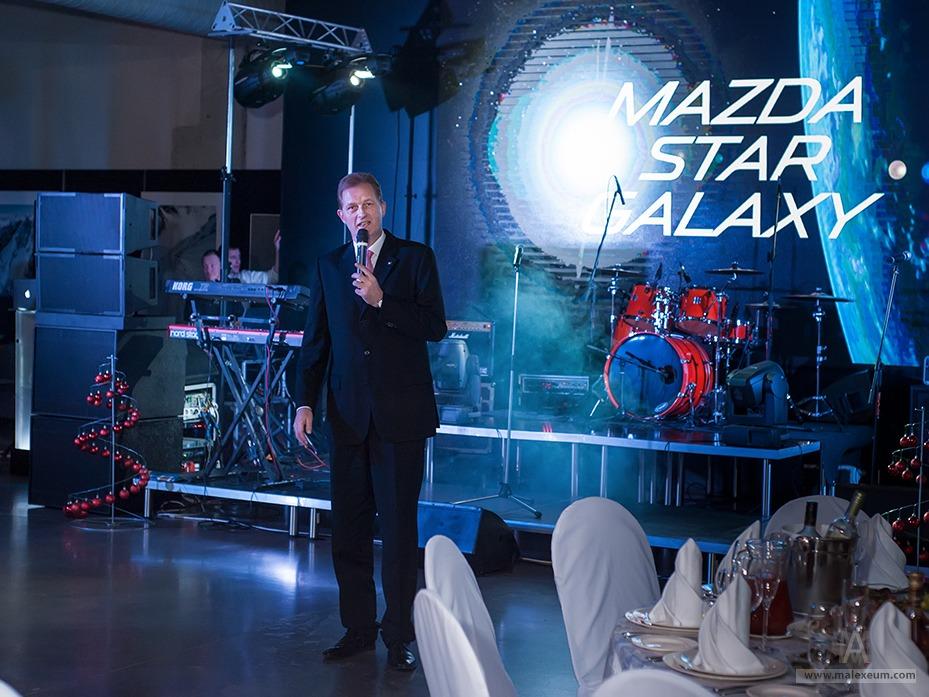 Новогодний фоторепортаж MAZDA - фотограф на Новый Год