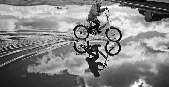 Ребенок на велосипеде - профессиональная фотосъемка в Москве