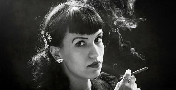 Девушка курит - ретро -  - фотограф Москва сайт