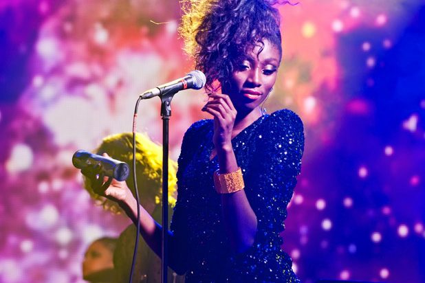 Певица, концертная концертная фотосъемка - фотограф на мероприятие