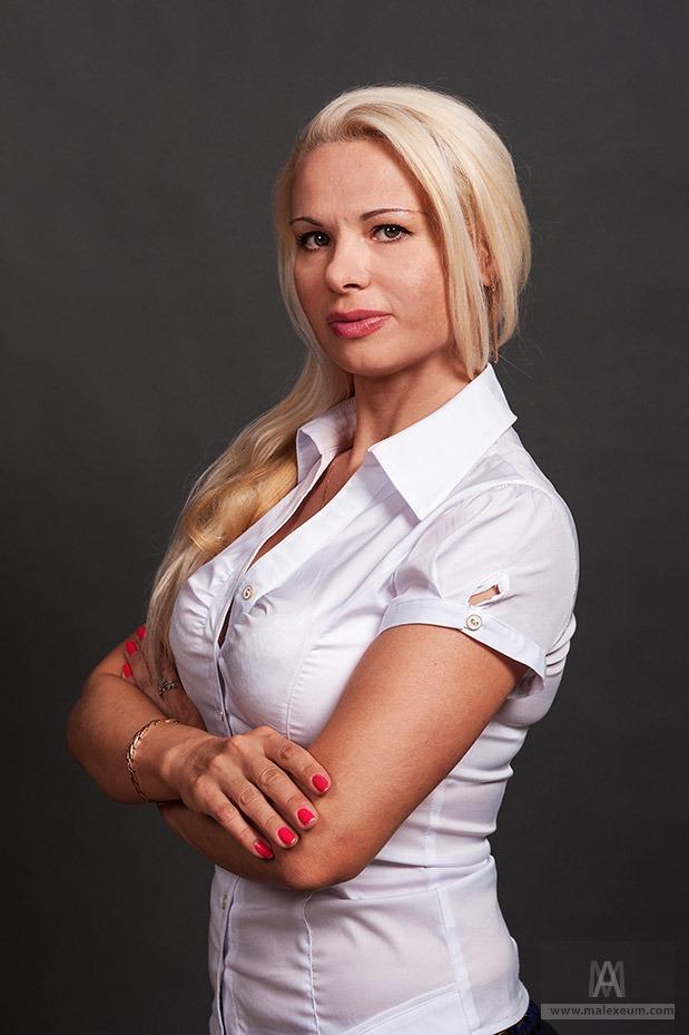 Женский деловой портрет - фотограф на выезд